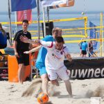 activiteit vlissingen strand sport voetbal